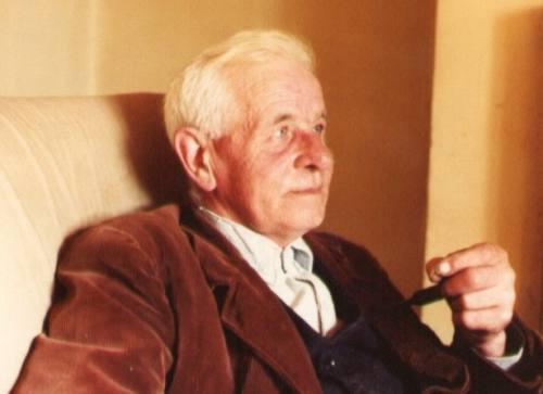 Walter Pardon at home